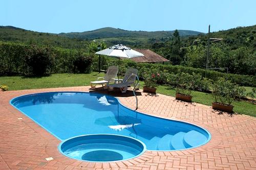 Qual o melhor tipo de piscina fibra vinil azulejo ou concreto sempre tudo - Cemento para piscinas ...